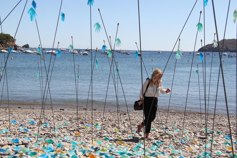 Instalación Lumínica para un festival de arte en Cadaques, Girona en honor a Dali por KUINI Estudio KUINI Estudio, Luz, Cadaques, Dalí, festival de art, Cavea